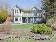 318 Seaside Dr Jamestown RI, 02835