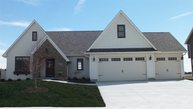6707 Prairie Grass Lane Bettendorf IA, 52722