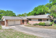 114 Mossridge Universal City TX, 78148