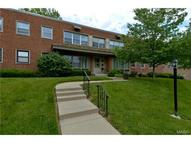 5 Delcrest Unit: 102 Saint Louis MO, 63124