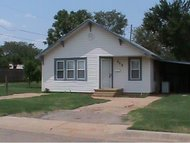 413 E Proctor Weatherford OK, 73096