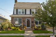 23 Mckee St Floral Park NY, 11001