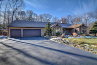 54 Visconti Dr Naugatuck CT, 06770