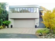 189 N Lotus Beach Dr Portland OR, 97217