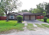4 Travis Ct. Angleton TX, 77515