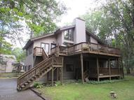 800 Paddock Ct Lords Valley PA, 18428