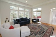 40 Andover Rd Roslyn Heights NY, 11577