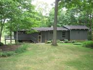 1105 Meadow Park Dr Akron OH, 44333