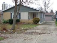438 Crystal St Akron OH, 44305