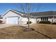1676 Twin Lakes Cr Green Bay WI, 54311
