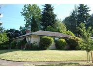 2433 Se 104th Dr Portland OR, 97216
