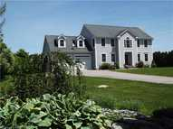 92 River Crest Dr Pawcatuck CT, 06379