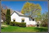 1320 S Pearl St New London WI, 54961