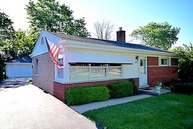 8239 North Oconto Avenue Niles IL, 60714