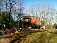 8 Bishop Hill Rd Johnston RI, 02919