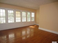 22 Lawrence Ave Bay Shore NY, 11706