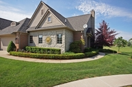 23621 Sawgrass Ct South Lyon MI, 48178