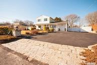 30 Country Greens Dr Bellport NY, 11713