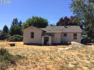 635 36th St Springfield OR, 97478