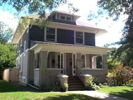 339 Perry St Elgin IL, 60123