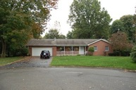 42 Forest Glen Dr. Grove City PA, 16127