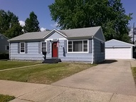 1909 6th St Nw Minot ND, 58703