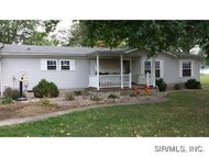 512 Fairbanks Street Staunton IL, 62088