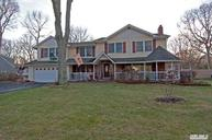 16 Redwood Dr Great River NY, 11739