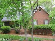 5515 Woodcliff Winston Salem NC, 27106