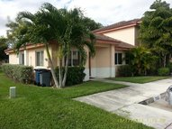 702 Nw 208th Ter Pembroke Pines FL, 33029