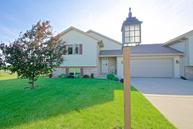 402 Ridgeview Ln Columbus WI, 53925
