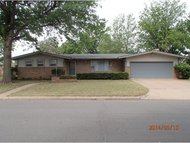 713 Oak Weatherford OK, 73096