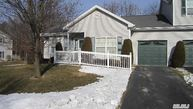 161 Willow Wood Dr Oakdale NY, 11769