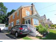 656 Georges Ln Ardmore PA, 19003