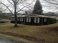 173 Donald Ave Hinton WV, 25951