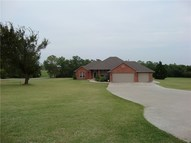 1073 Oak Creek Blanchard OK, 73010