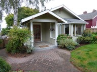 6345 39th Ave Sw Seattle WA, 98136