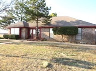 828 Brookhollow Chickasha OK, 73018