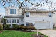 110 Eva Dr Long Beach NY, 11561