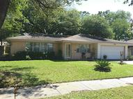819 Rainy River Dr Houston TX, 77088