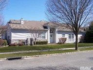130 Windwatch Dr #Ranch Hauppauge NY, 11788