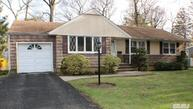 106 Powell Ct North Babylon NY, 11703
