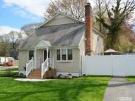 38 Brightwaters Dr Sound Beach NY, 11789