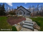 301 Beech Tree Ln Becket MA, 01223
