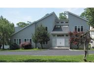 40 Meadow Bluff Rd Morris Plains NJ, 07950