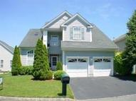 43 Fela Dr Parlin NJ, 08859