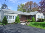 5 Pinewood Ter Fairfield NJ, 07004
