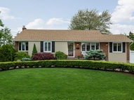 4 Ellsworth Pl East Northport NY, 11731