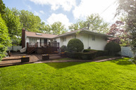 9 Pine Dr Old Bethpage NY, 11804