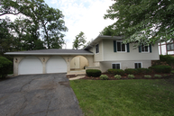 640 E Holly Ct Addison IL, 60101